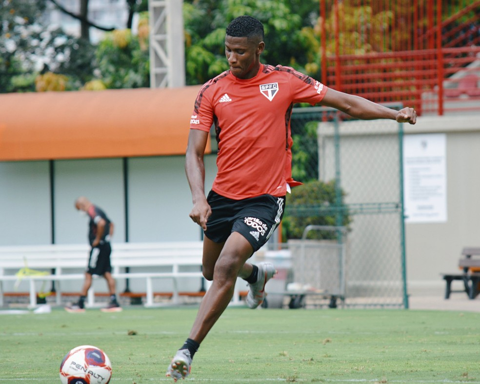 Orejuela em primeiro treino pelo São Paulo — Foto: Divulgação São Paulo