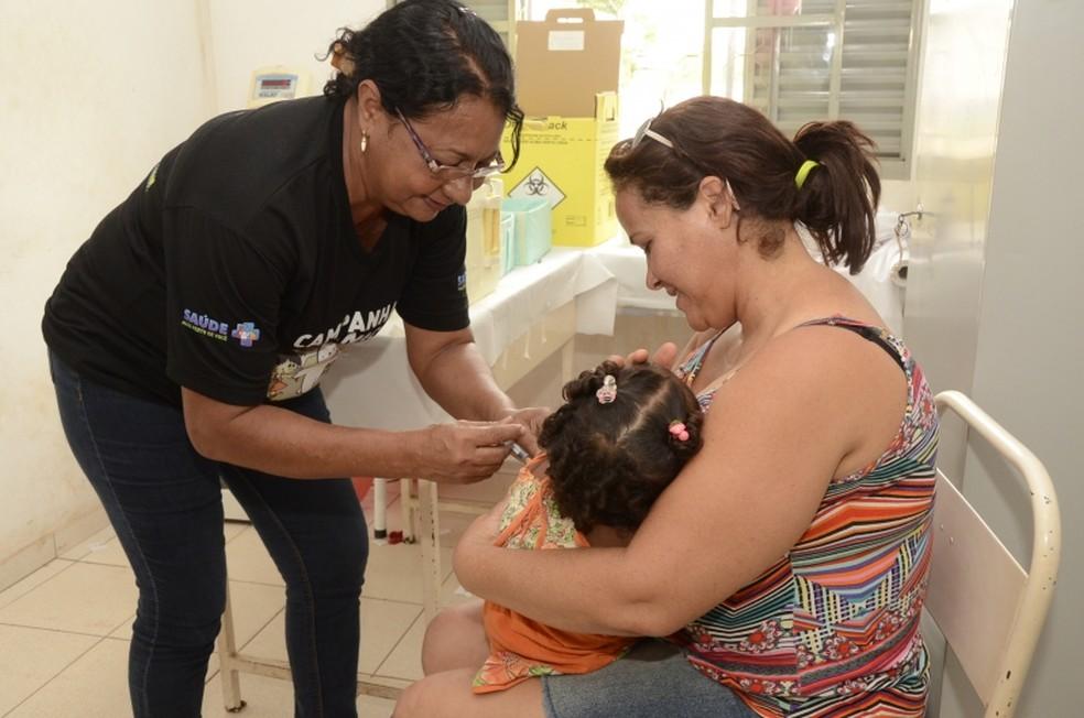 -  Campanha para atualização de caderneta de vacinação de crianças e adolescentes acontece neste sábado  16   Foto: Michel Alvim/Secom-Cuiabá