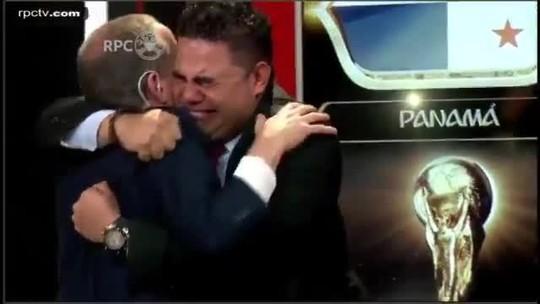 Narrador e comentarista de tv panamenha se emocionam com estreia do Panamá na Copa. Veja o vídeo