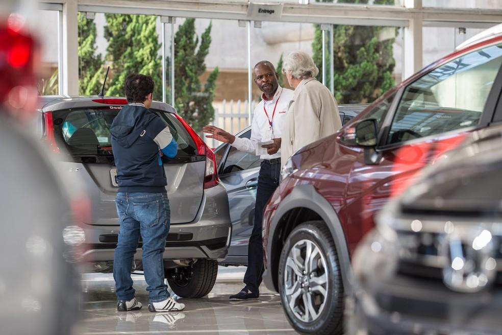 9d285f3758f2 ... Venda de carros novos em concessionária de São Paulo — Foto: Fábio  Tito/G1