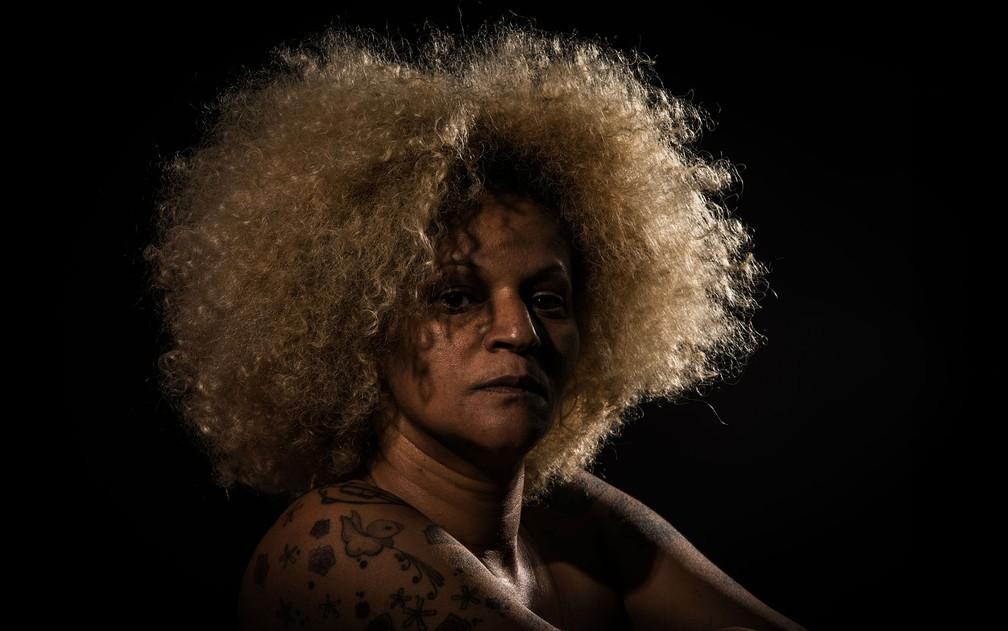 Atriz Marta Carvalho encena monólogo teatral 'Liberdade assistida' em Brasília (Foto: Thiago Sabino/Divulgação)