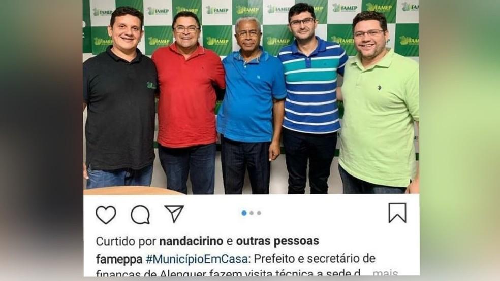 Postagem da Famep em rede social mostra ex-prefeito de Alenquer, Juraci Estevam e o ex-secretário de Finanças, Nélio Viana em visita técnica — Foto: Redes Sociais/Reprodução
