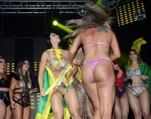 Miss Bumbum 2018 termina em confusão (Foto: Eduardo Martins/AgNews)
