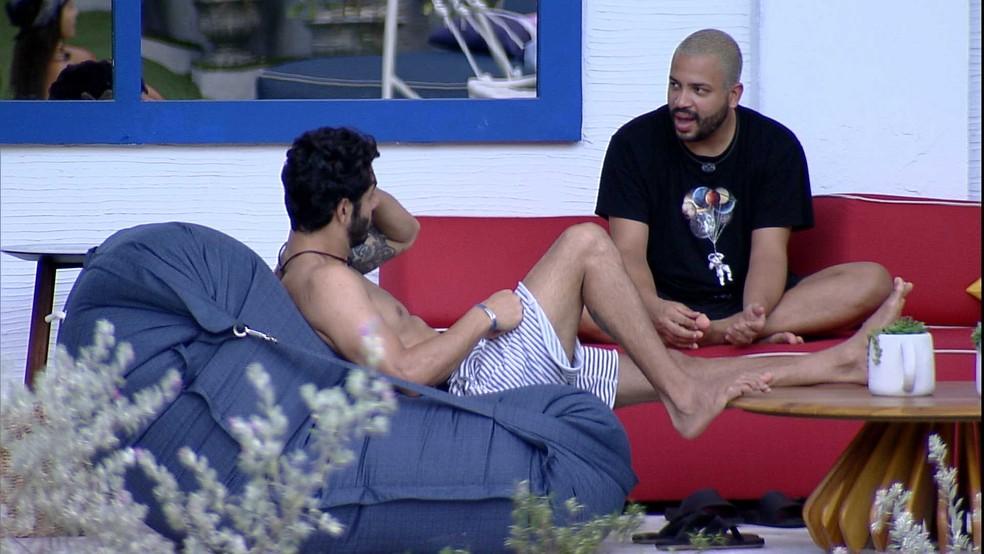 BBB21: Projota conversa com Rodolffo sobre o jogo e fala sobre Gilberto — Foto: Globo