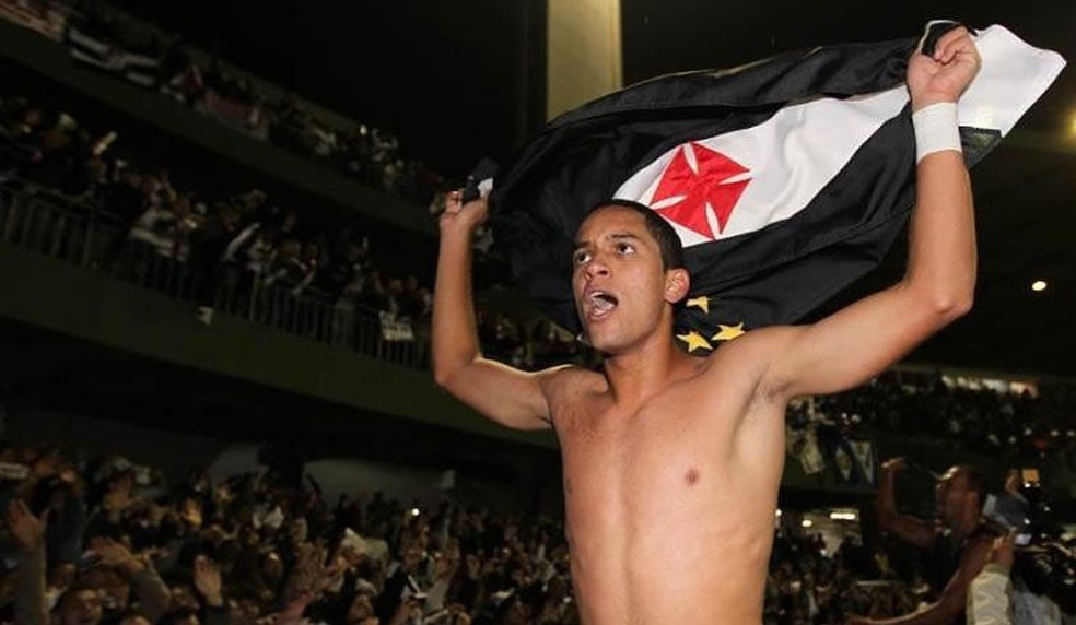 Rômulo volta ao Vasco após 9 anos — Foto: Vasco.com.br