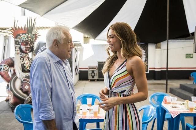 Antonio Fagundes e Grazi Massafera em 'Bom sucesso' (Foto: Victor Pollak/TV Globo)