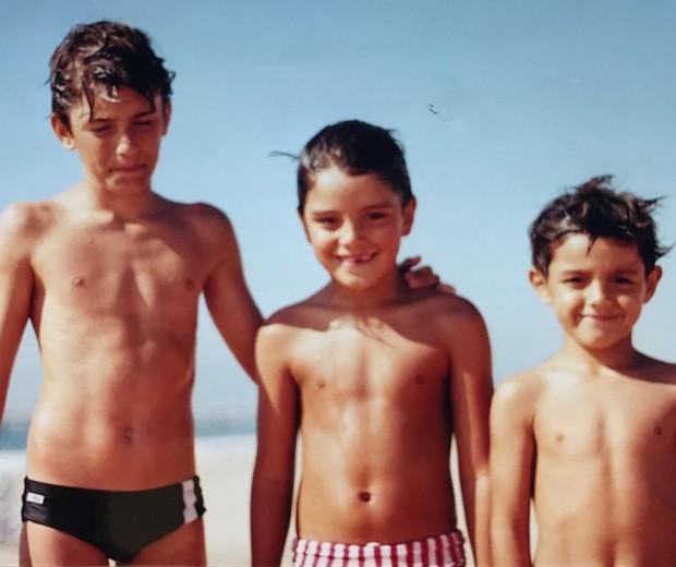 Brtuno Gissoni, Rodrigo Simas e Felipe Simas em foto de infância (Foto: Reprodução/Instagram)