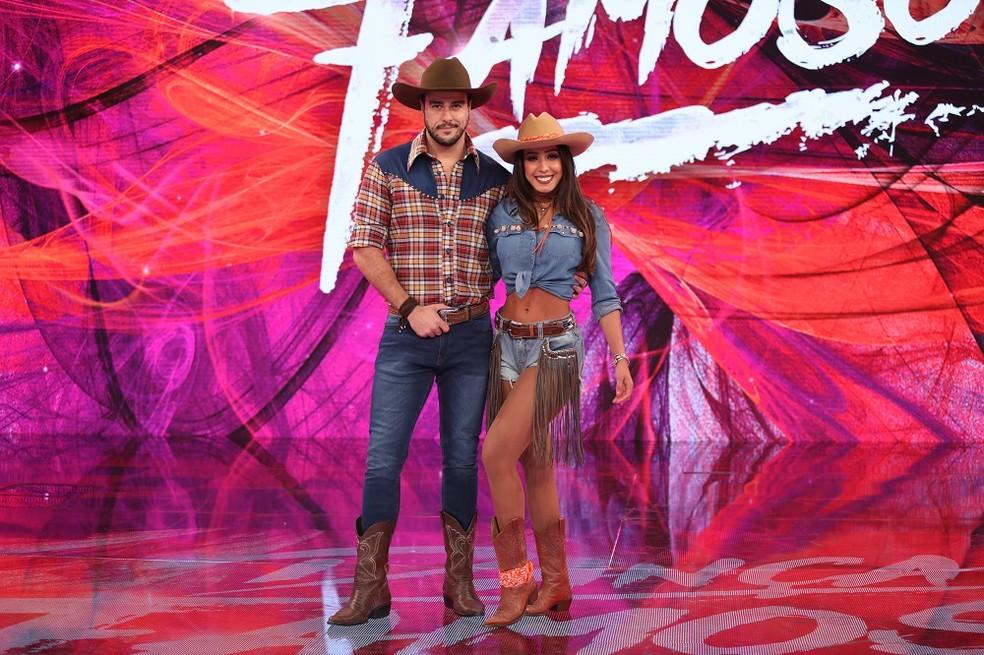 Joaquim Lopes posa ao lado da bailarina Tatiana Scarletti (Foto: TV Globo)