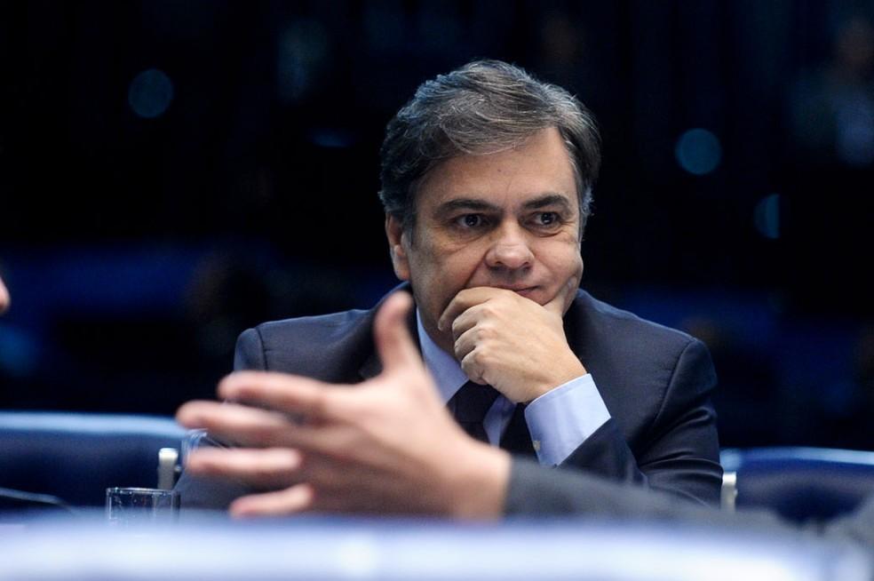 Decisão foi tomada tendo em vista que Cássio Cunha Lima já recebe pensão por ser ex-governador do estado da Paraíba (Foto: Marcos Oliveira/Agência Senado/Aquivo)
