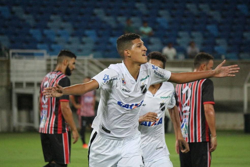 Matheus fez dez gols em dez jogos em 2018 pelo ABC (Foto: Andrei Torres/ABC)