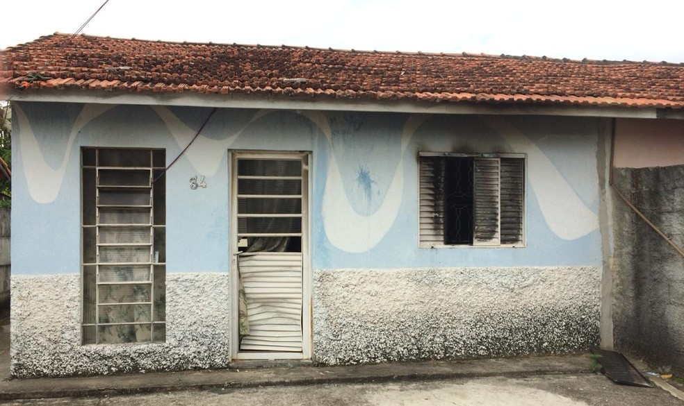 Polícia prende suspeito de atear fogo em casa em Pinda — Foto: Peterson Grecco/TV Vanguarda