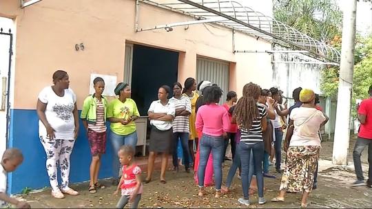 Haitianos são alojados em igreja de Corumbá, MS, após serem interceptados sem documentação
