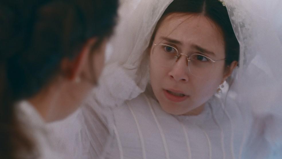 Dolores (Daphne Bozaski) será sequestrada no dia de seu casamento em 'Nos Tempos do Imperador' — Foto: Globo