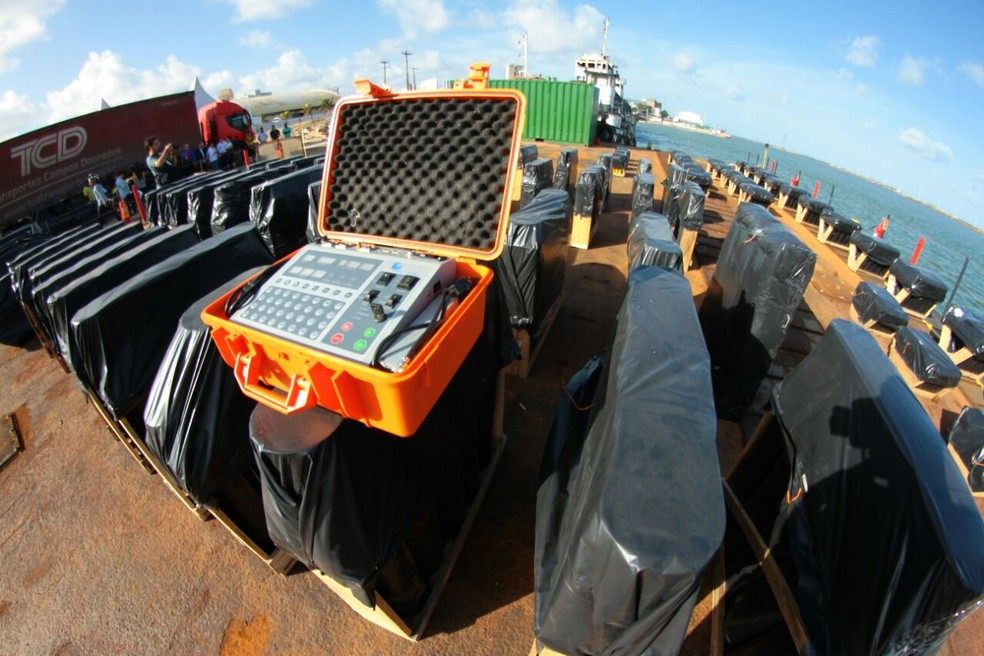 Fogos serão acionados por técnicos através de dispositivos eletrônicos (Foto: Marlon Costa/Pernambuco Press)