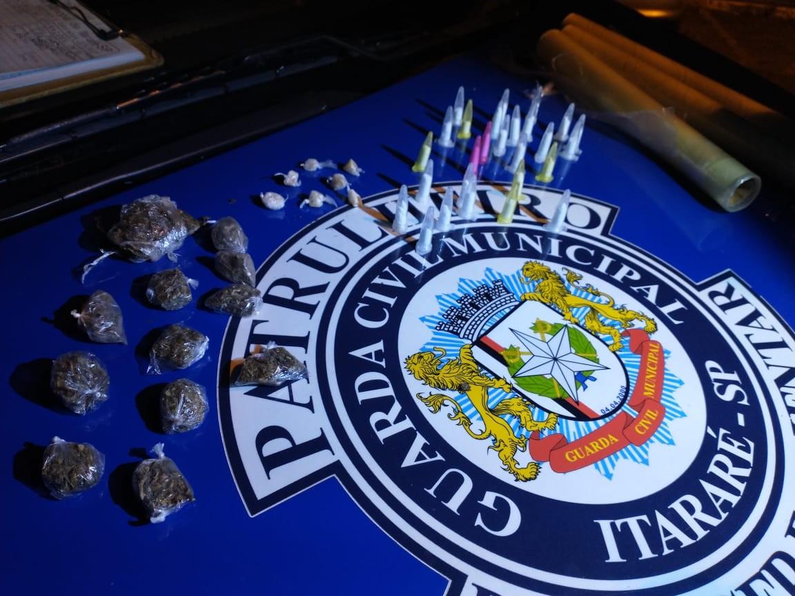 Porções de drogas são apreendidas em Itararé durante ação da GCM