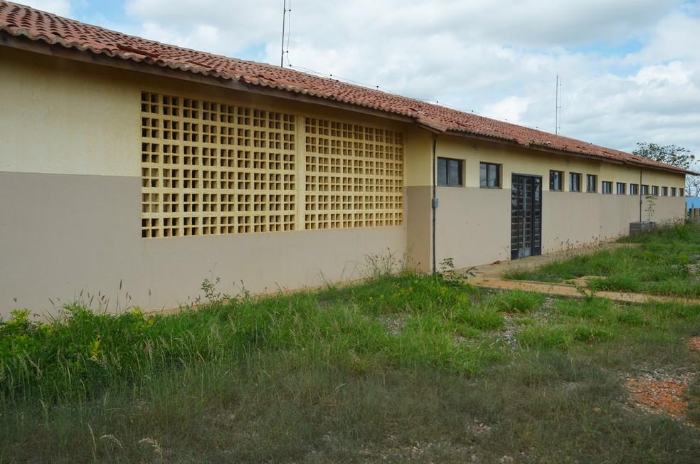 Escola construída na Vila Produtiva Rural Lafayette em Monteiro, no Cariri da PB — Foto: Érica Ribeiro/G1/Arquivo