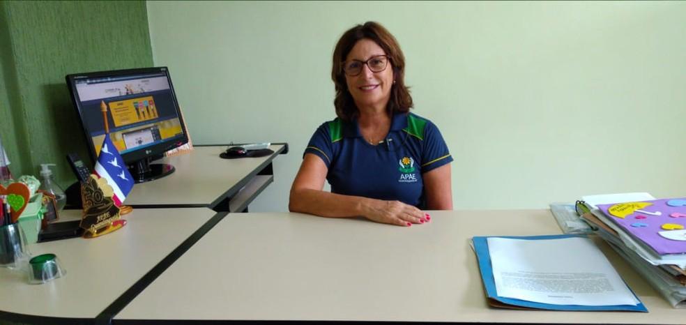 Fátima Ferreira, diretora da APAE de Guaratinguetá — Foto: Divulgação