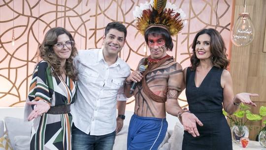 'Tá no Ar': Fátima Bernardes recebe Obirajara Dominique na estreia da 5ª temporada