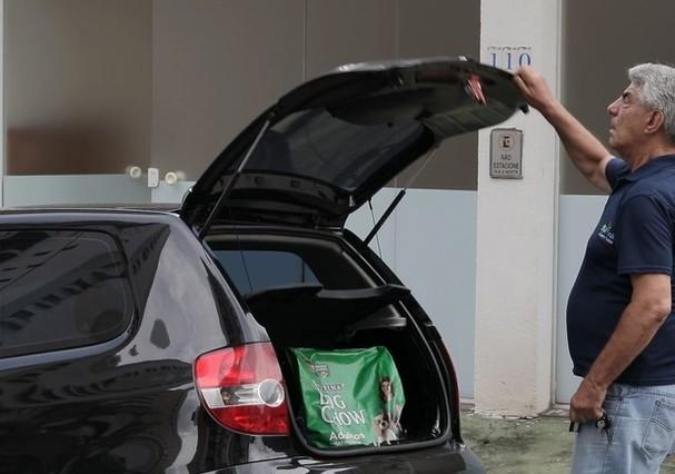 Aposentado faz entrega e participa do projeto 50 Mais Courier Senior (Foto: Divulgação)