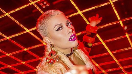 Nikki lança clipe de nova música e faz balanço pós 'The Voice': 'É o início do novo'