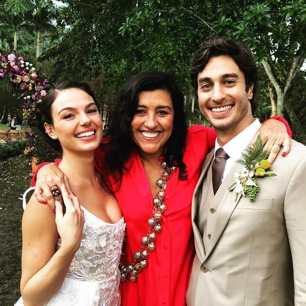 Isis Valverde, Regina Casé e André Resende (Foto: Reprodução/Instagram)