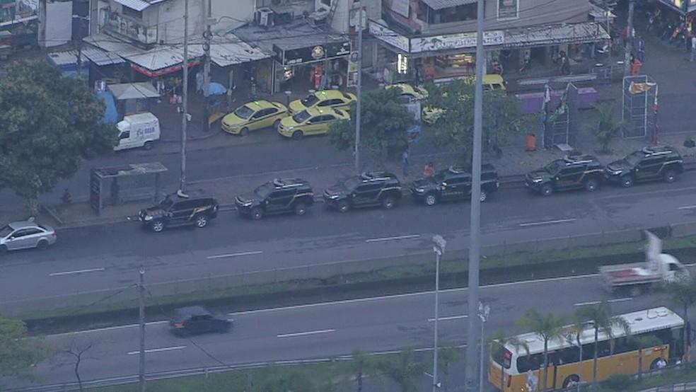 Polícia Federal cumpre mandados na Rocinha, em São Conrado, na manhã desta terça-feira (1°) — Foto: Reprodução / TV Globo
