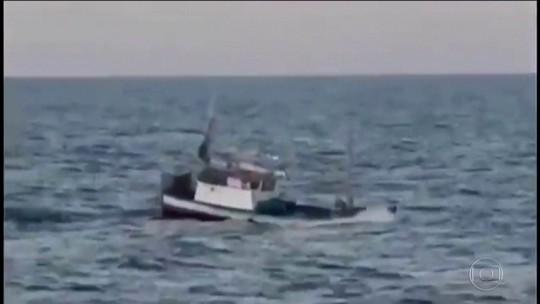 Tripulantes de barco do RS são presos no Uruguai por pesca ilegal; vídeo mostra abordagem a tiros