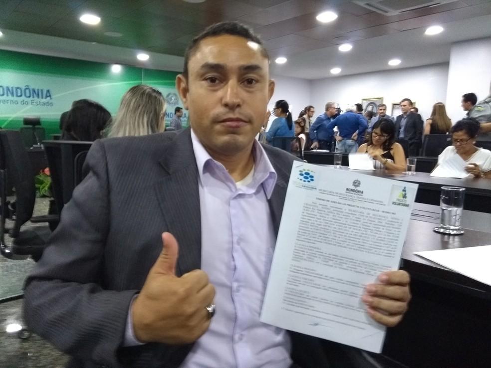 O técnico administrativo Cristian Moura é um dos voluntários selecionados pelo Governo (Foto: Toni Francis/G1)