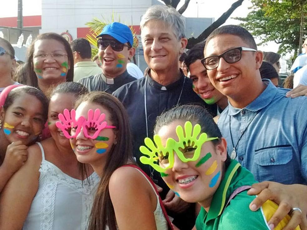 Dom Aldo Pagotto, durante Ato de Consagração da Arquidiocese, das Famílias e do Estado em 2015 — Foto: Valéria Sinésio /Jornal da Paraíba/Arquivo