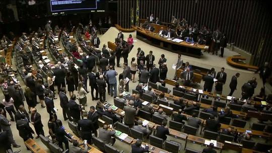 PR lidera 'blocão' na Câmara de 11 partidos e 201 deputados