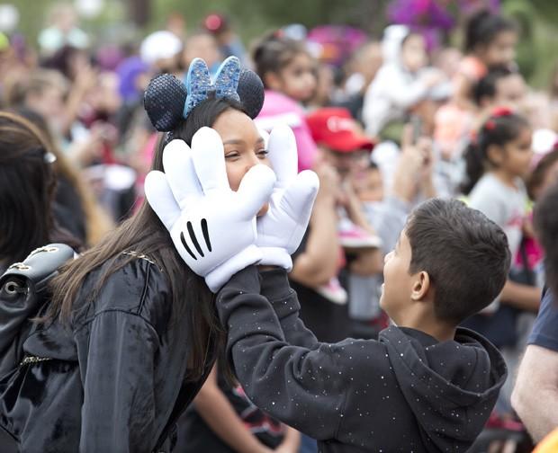 A modelo Laís Ribeiro e Alexandre na Disney (Foto: Divulgação / Walt Disney World )