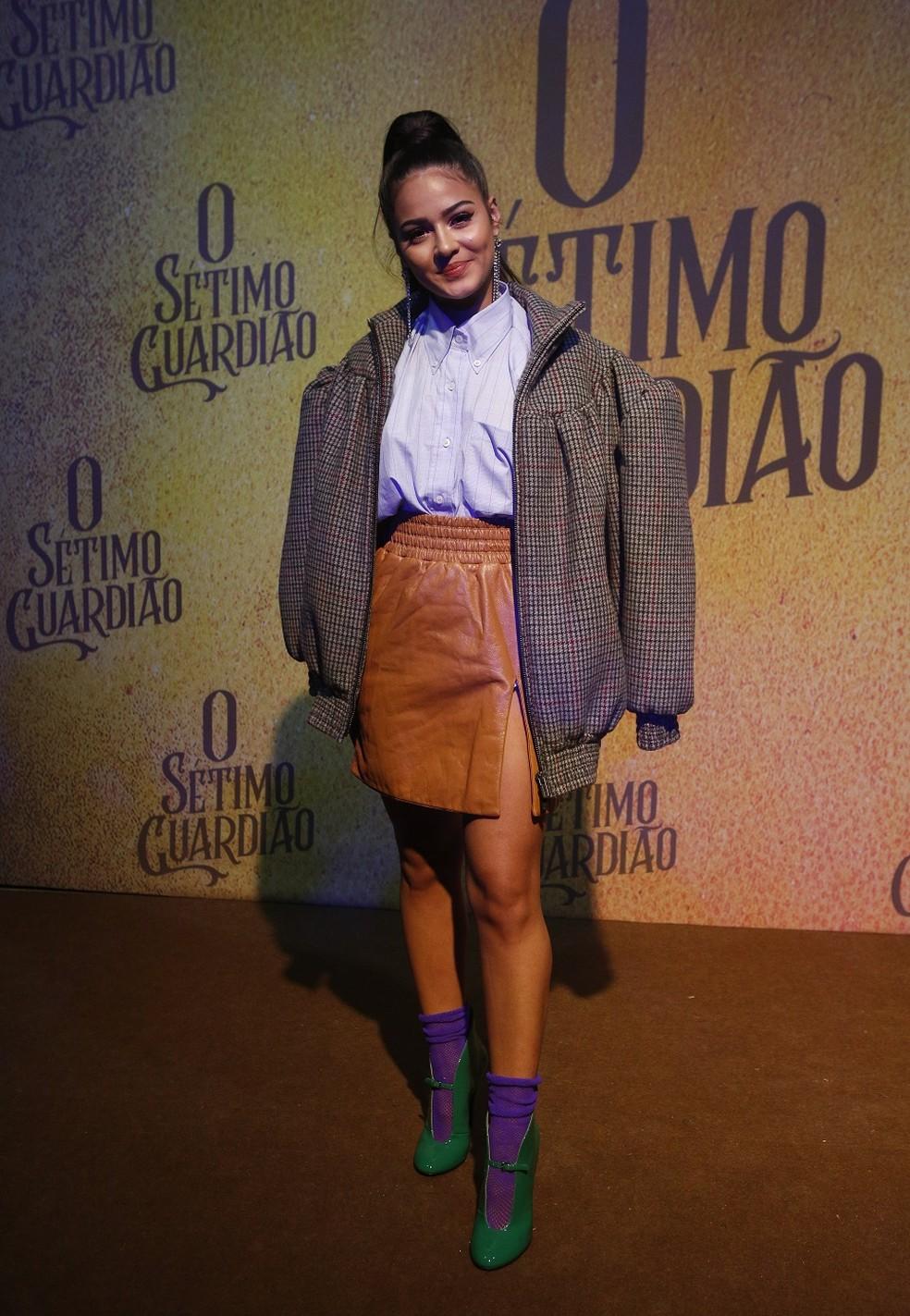 Giullia Buscacio ousou no look para o lançamento — Foto: Fabiano Battaglin/Gshow