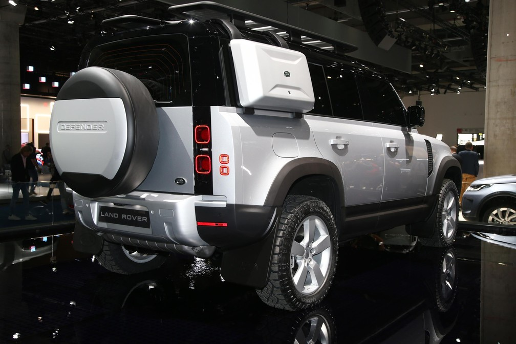 Land Rover Defender — Foto: Newspress