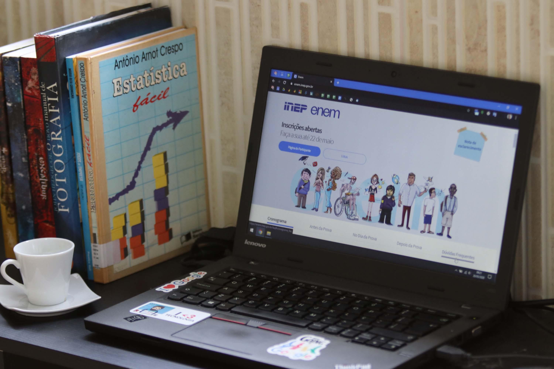 Faculdade abre inscrições para 'Intensivão' que oferece aulas gratuitas voltadas para o Enem
