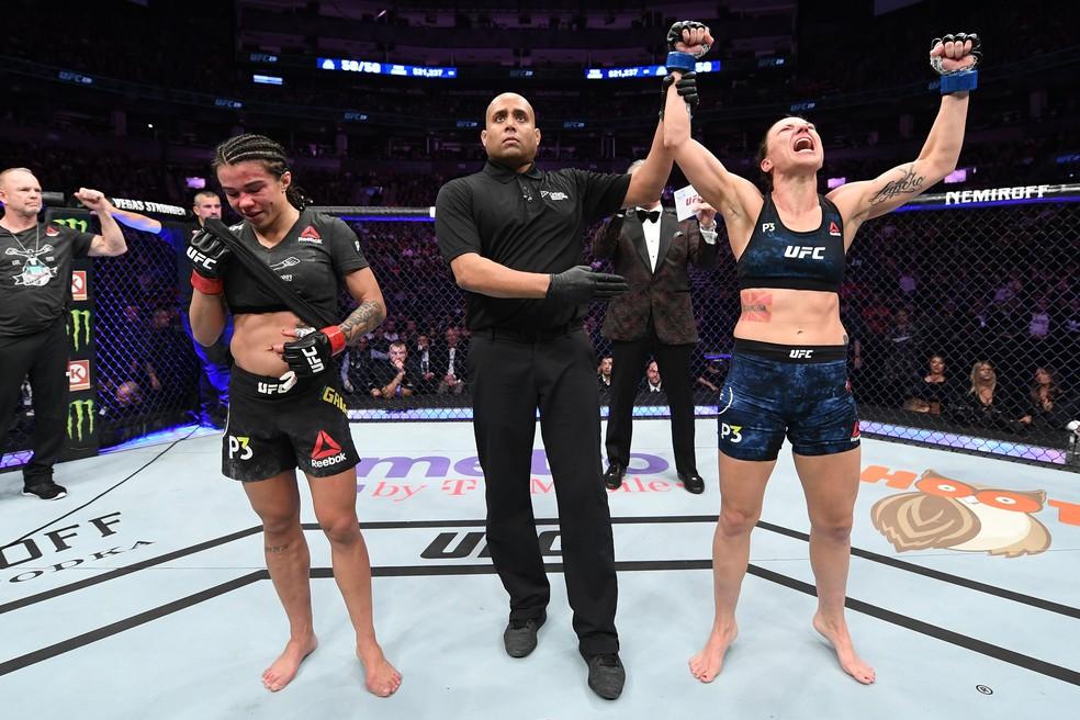 A última vitória de Nina Nunes (dir.) foi sobre a brasileira Cláudia Gadelha, em dezembro de 2018 — Foto: Getty Images