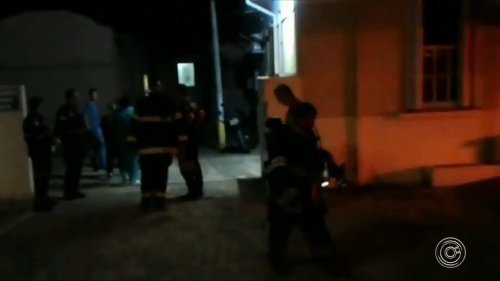 Sala de parto da Santa Casa pega fogo em Tietê — Foto: TV TEM/Reprodução