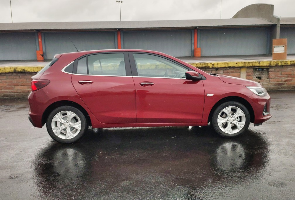Chevrolet Onix grew 23 inches in length; wheels in the Premier version - Photo: Guilherme Fontana / G1