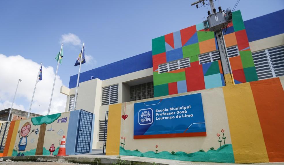 Escola Municipal Professor José Lourenço Lima fica no Ibura, na Zona Sul do Recife — Foto: Rodolfo Loepert/Prefeitura do Recife