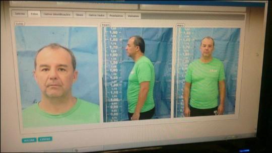 Imagem mostra Sérgio Cabral com uniforme da Seap após prisão no Rio