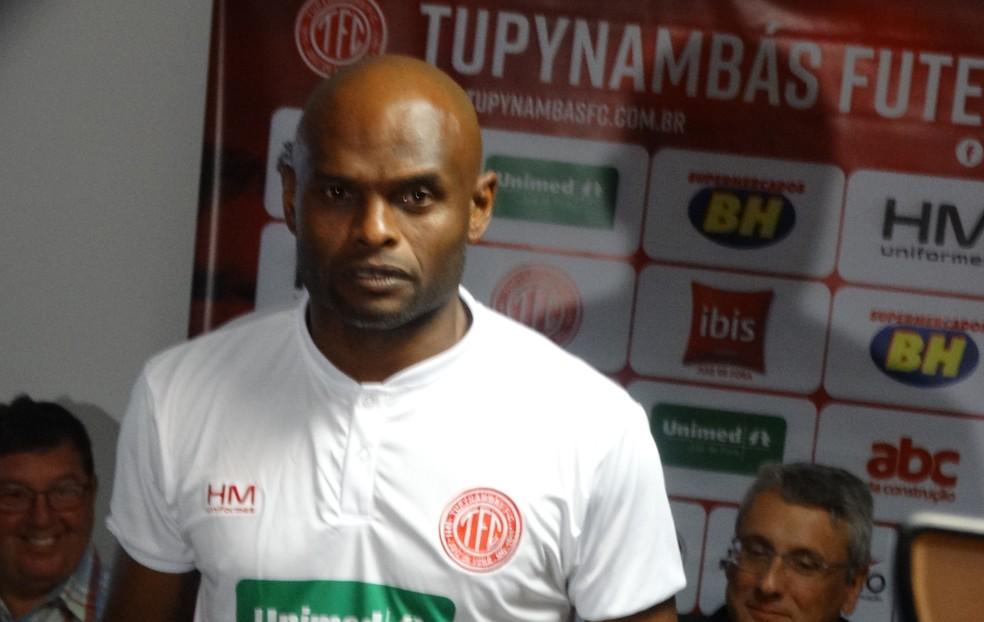 Ademilson, ex-Botafogo e Fluminense, é o primeiro da lista dos quarentões — Foto: Bruno Ribeiro