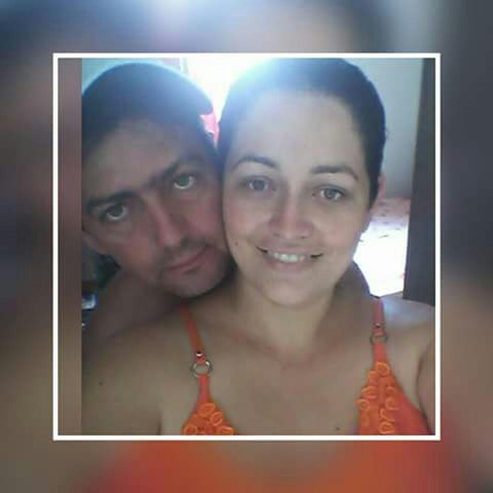 Márcio Queiroz, de 42 anos, e a mulher dele, Elaine Santos (Foto: Arquivo Pessoal)