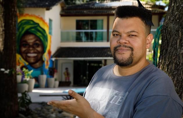 Babu Santana será entrevistado por Tatá Werneck. Os convidados já vêm sendo testados (Foto: Felipe Nahon/Gshow)
