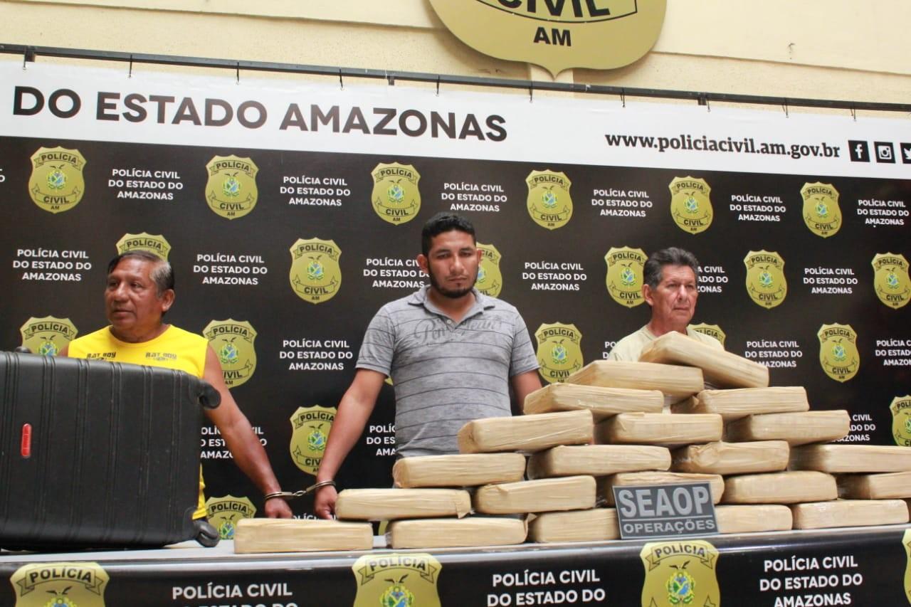 Três homens são presos em embarcação com cerca de 30 kg de droga, em Manaus - Noticias