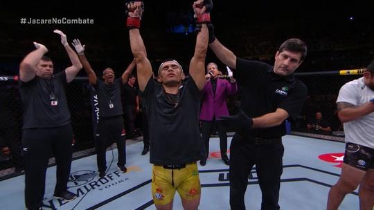 Melhores momentos da luta entre Douglas D'Silva x Renan Barão - UFC São Paulo