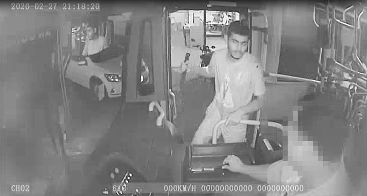 Motorista de ônibus é assaltado em Rio Preto; vídeo