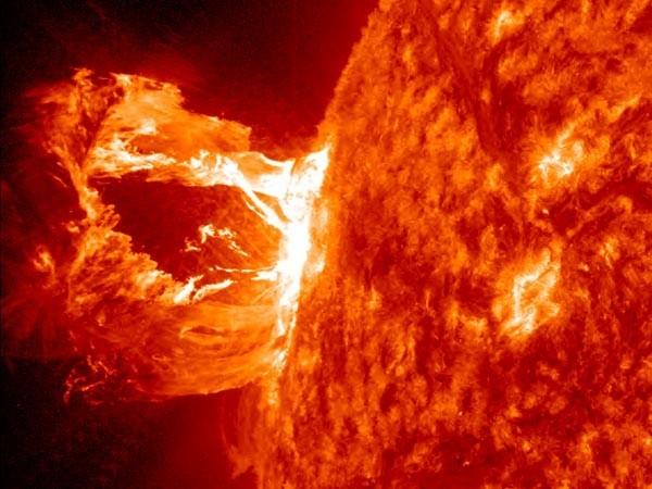 Fusão nuclear reproduz em pequena escala as reações que ocorrem no interior do Sol (Foto: Divulgação)