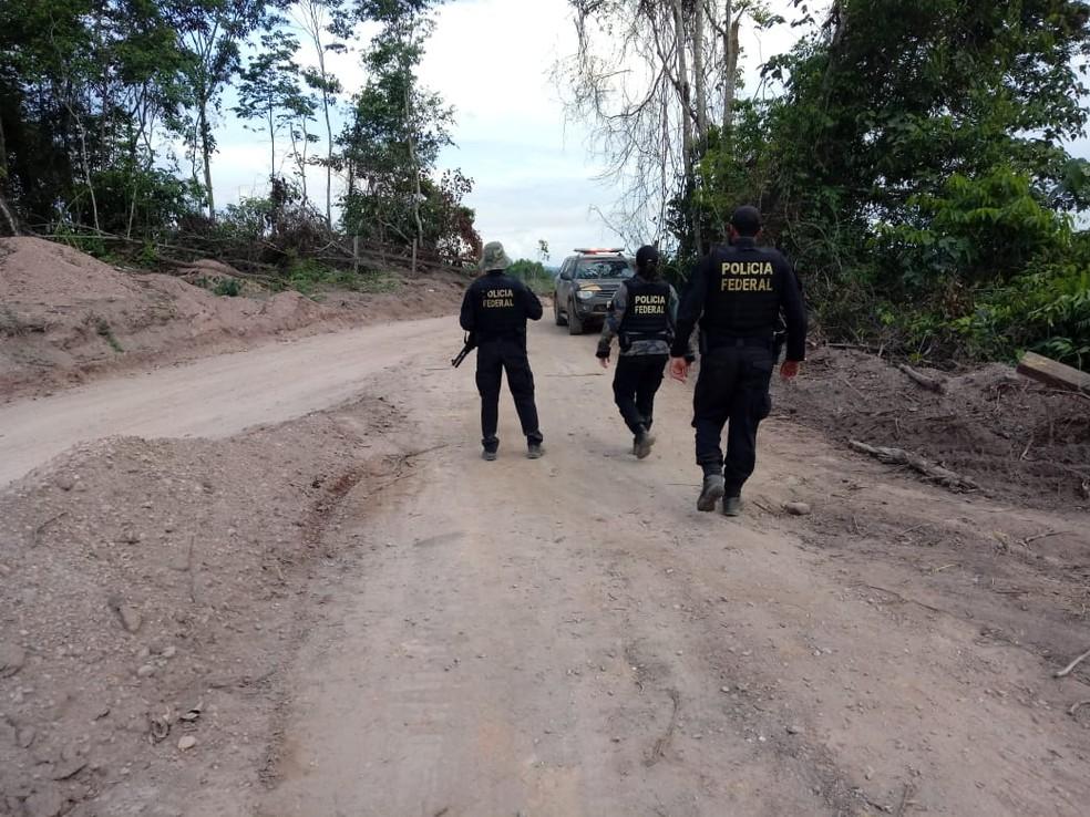 Policiais federais estão no garimpo, em Aripuanã, para conter ação. — Foto: PF-MT