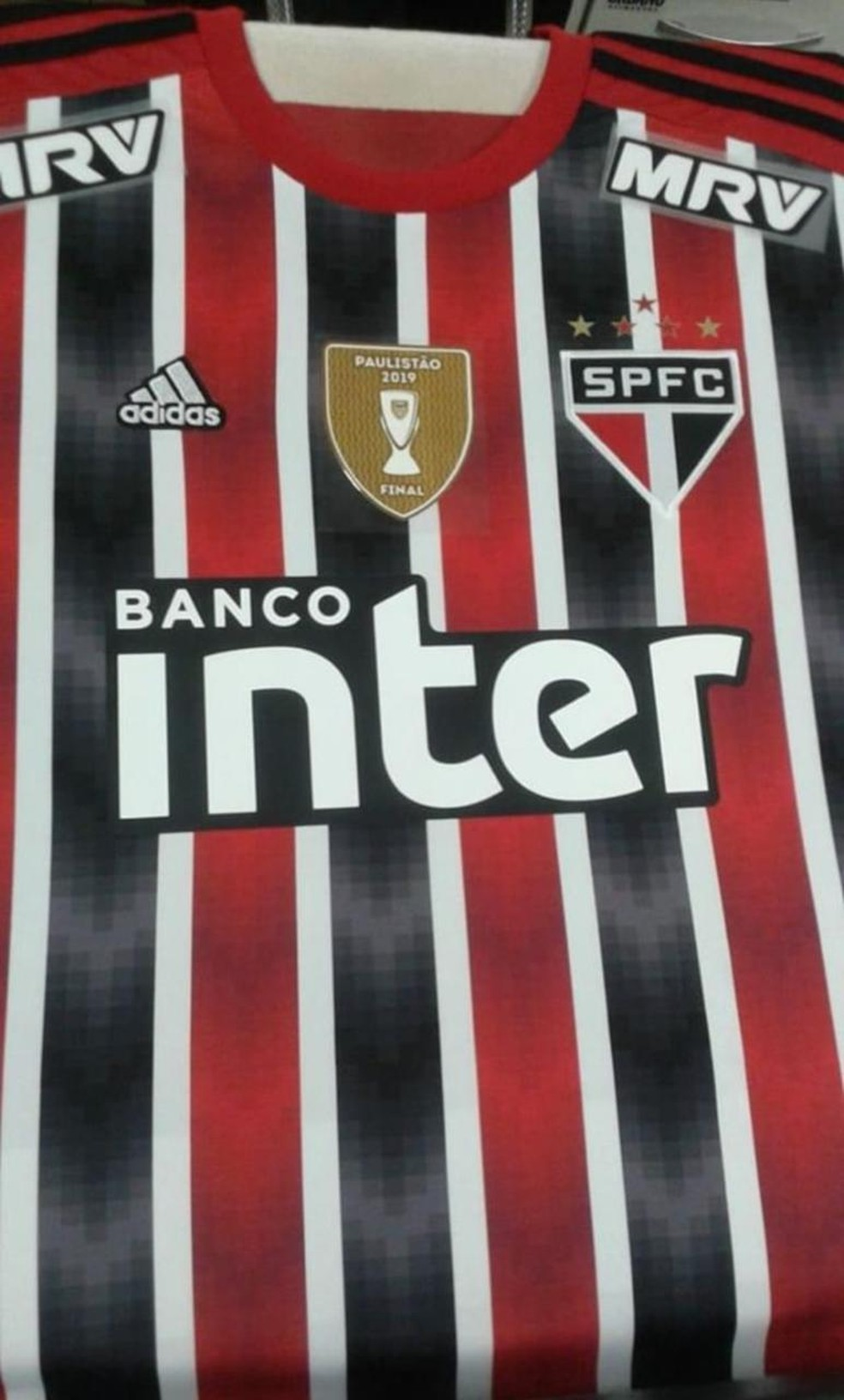 43441e7eef0 Imagem de suposta nova camisa 2 do São Paulo vaza na internet; veja ...