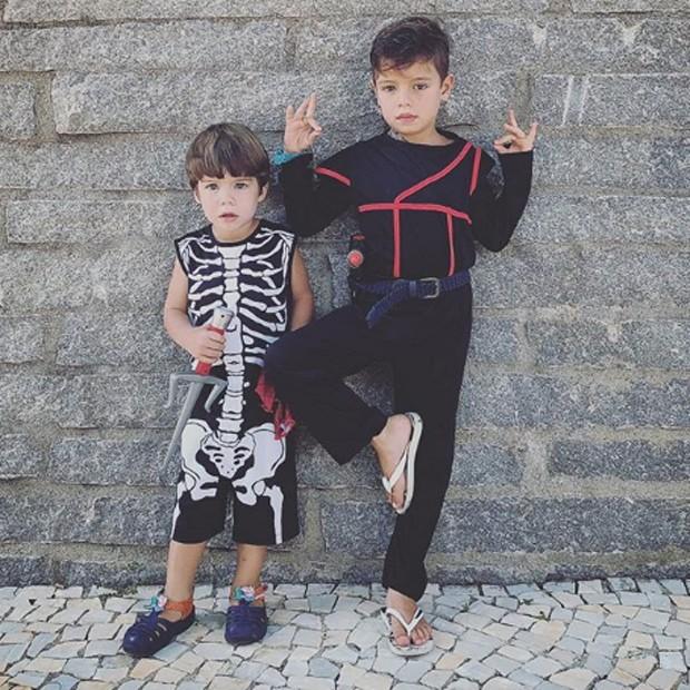 Bem e Dom, filhos de Luana Piovani e Pedro Scooby (Foto: Reprodução/Instagram)