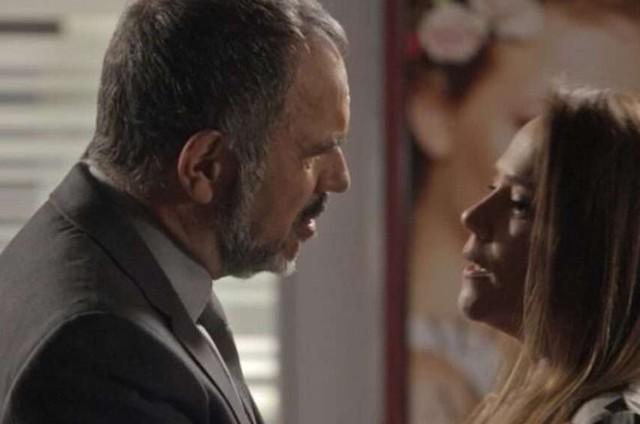 Germano (Humberto Martins) e Lili (Vivianne Pasmanter) em 'Totalmente demais' (Foto: TV Globo)